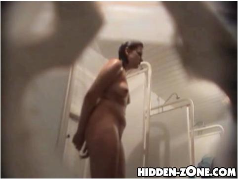 http://ist5-1.filesor.com/pimpandhost.com/9/6/8/3/96838/6/e/x/3/6ex35/Hidden-zoneShower%20Room393_cover.jpg