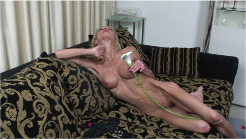 http://ist5-1.filesor.com/pimpandhost.com/9/6/8/3/96838/6/f/W/f/6fWfQ/Anorexia-b007_cover_m.jpg