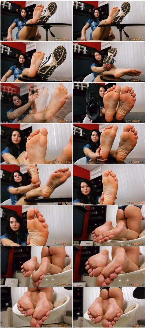 LegsYoungGirlsVZ054_thumb_m.jpg