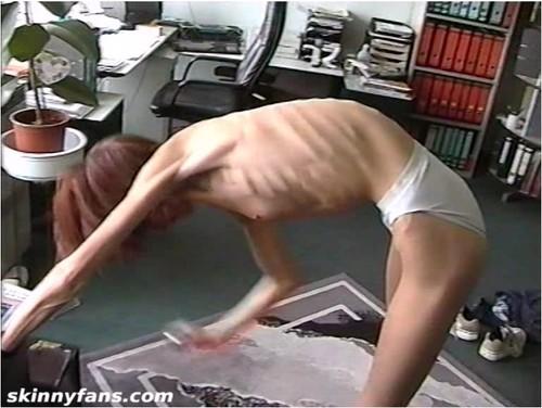 http://ist5-1.filesor.com/pimpandhost.com/9/6/8/3/96838/6/g/3/Q/6g3Qt/Anorexia-b167_cover_m.jpg