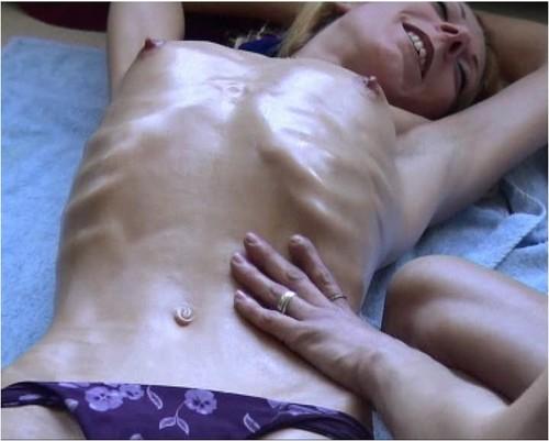 http://ist5-1.filesor.com/pimpandhost.com/9/6/8/3/96838/6/g/5/i/6g5i5/Anorexia-b184_cover_m.jpg