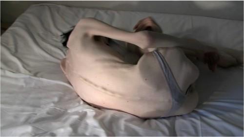 http://ist5-1.filesor.com/pimpandhost.com/9/6/8/3/96838/6/g/7/z/6g7zb/Anorexia-b233_cover_m.jpg