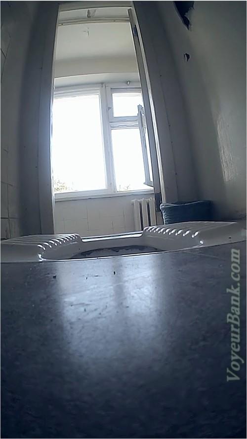 http://ist5-1.filesor.com/pimpandhost.com/9/6/8/3/96838/6/j/4/V/6j4VD/VoyeurBank0099_cover_m.jpg