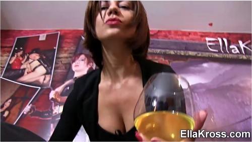 http://ist5-1.filesor.com/pimpandhost.com/9/6/8/3/96838/6/j/I/0/6jI0f/EllaKross564_cover_m.jpg