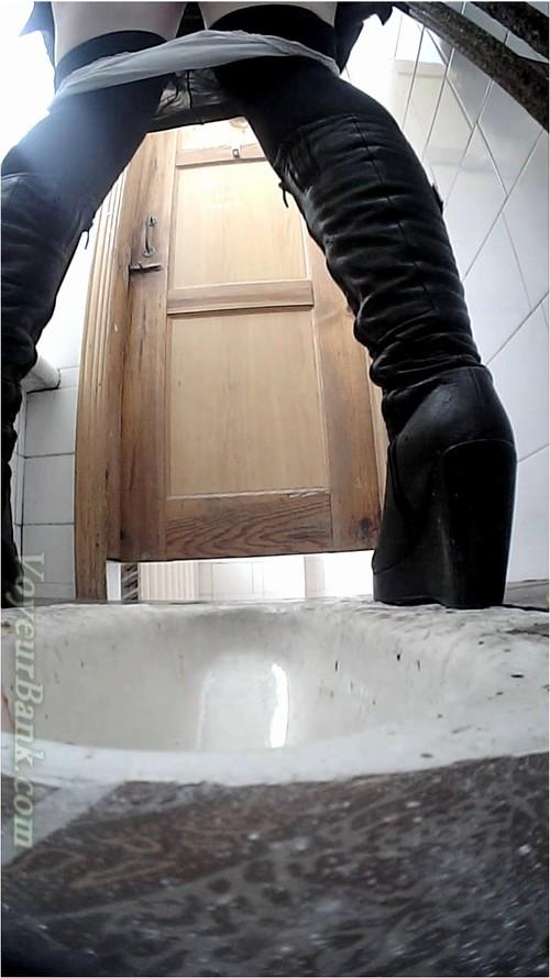http://ist5-1.filesor.com/pimpandhost.com/9/6/8/3/96838/6/j/a/z/6jazB/VoyeurBank0279_cover_m.jpg
