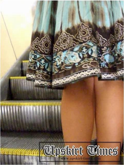 http://ist5-1.filesor.com/pimpandhost.com/9/6/8/3/96838/6/j/b/c/6jbc7/Upskirt-Times0443_cover.jpg