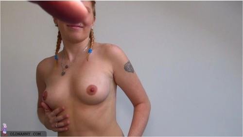 http://ist5-1.filesor.com/pimpandhost.com/9/6/8/3/96838/6/j/b/i/6jbio/granny026_cover_m.jpg
