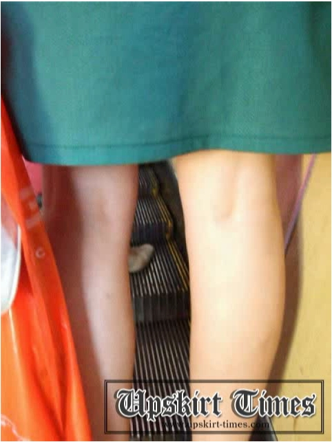 http://ist5-1.filesor.com/pimpandhost.com/9/6/8/3/96838/6/j/b/w/6jbwX/Upskirt-Times0467_cover.jpg