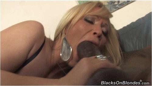 BlacksOnBlondes074_cover_m.jpg
