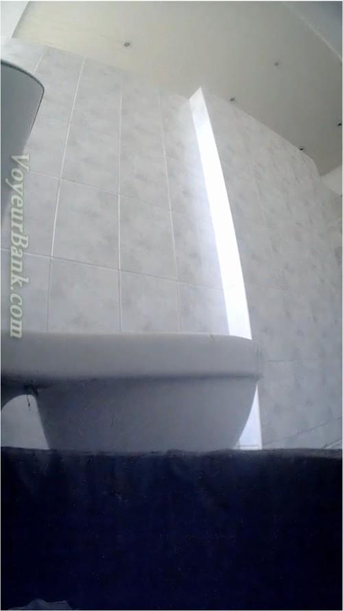 http://ist5-1.filesor.com/pimpandhost.com/9/6/8/3/96838/6/j/e/8/6je82/VoyeurBank0462_cover_m.jpg