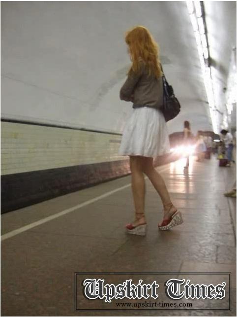 http://ist5-1.filesor.com/pimpandhost.com/9/6/8/3/96838/6/j/h/u/6jhuD/Upskirt-Times0802_cover.jpg