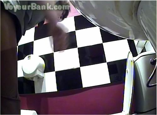 http://ist5-1.filesor.com/pimpandhost.com/9/6/8/3/96838/6/j/h/v/6jhvI/VoyeurBank0586_cover_m.jpg
