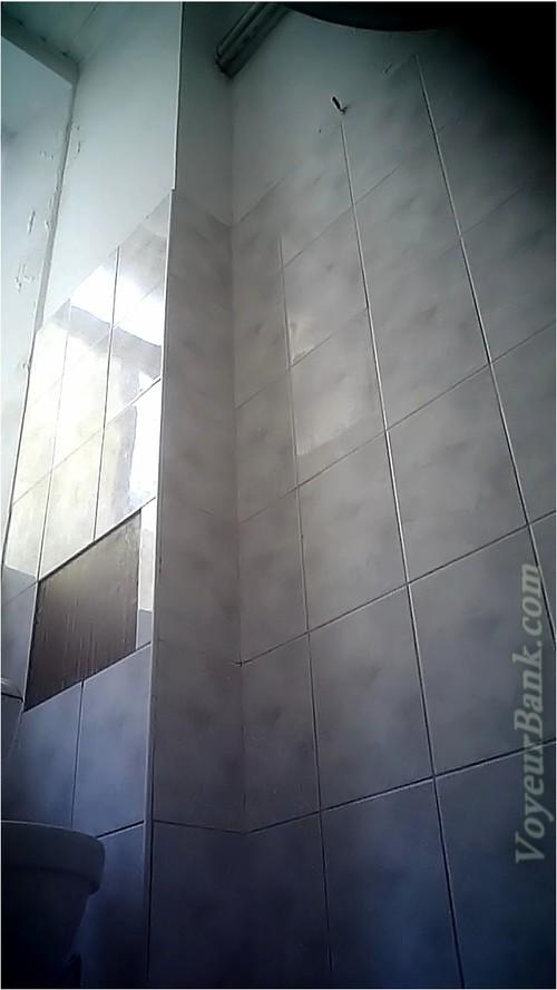 http://ist5-1.filesor.com/pimpandhost.com/9/6/8/3/96838/6/j/k/M/6jkM9/VoyeurBank0737_cover_m.jpg
