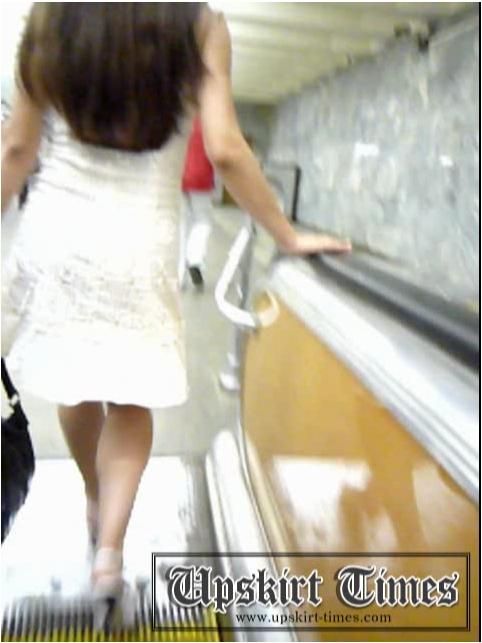 Upskirt-Times1091_cover.jpg