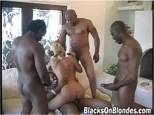 BlacksOnBlondes147_cover_m.jpg
