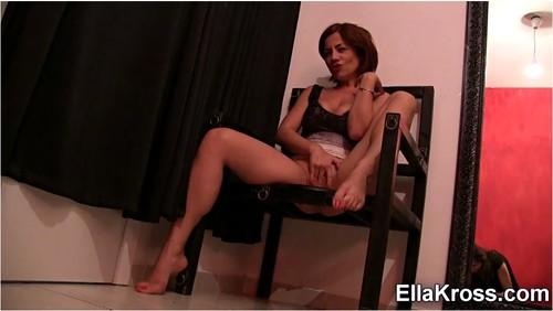 http://ist5-1.filesor.com/pimpandhost.com/9/6/8/3/96838/6/j/y/I/6jyIQ/EllaKross408_cover_m.jpg