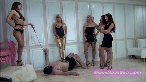 http://ist5-1.filesor.com/pimpandhost.com/9/6/8/3/96838/6/m/7/R/6m7RV/MiamiMeanGirls-g064_cover_m.jpg