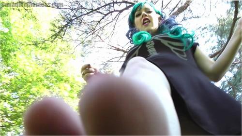 http://ist5-1.filesor.com/pimpandhost.com/9/6/8/3/96838/6/p/X/W/6pXWm/GiantessgirlVZ028_cover_m.jpg