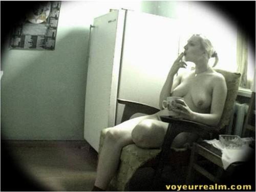 http://ist5-1.filesor.com/pimpandhost.com/9/6/8/3/96838/6/q/3/G/6q3Gs/voyeurrealm298_cover_m.jpg