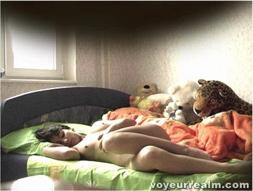 http://ist5-1.filesor.com/pimpandhost.com/9/6/8/3/96838/6/q/3/n/6q3n7/voyeurrealm289_cover_m.jpg