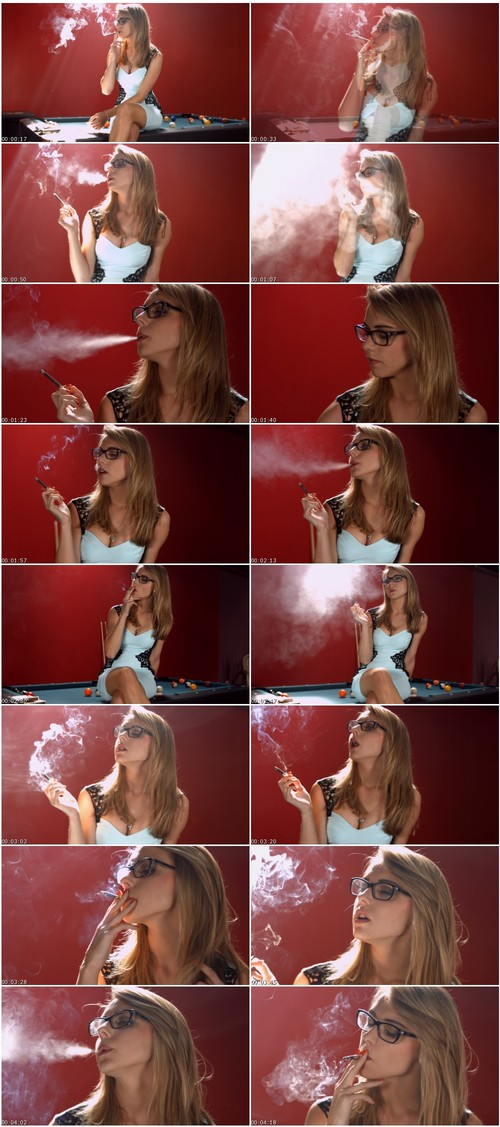 SmokingsexyladiesVZ063_thumb_m.jpg