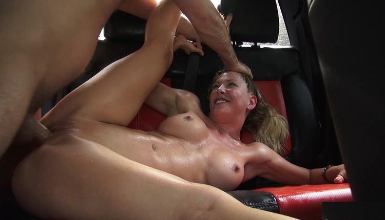 Milf Cherie Deville Rides