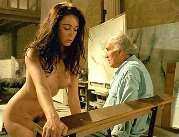 sports-mom-emanuela-film-nude-clips-croft-drawn