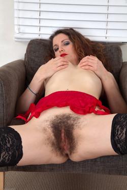 Порно фотографии волосатых леди