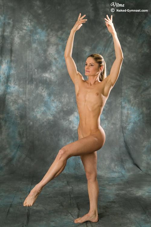 голые гимнастки балерины йоги спортсменки циркачки