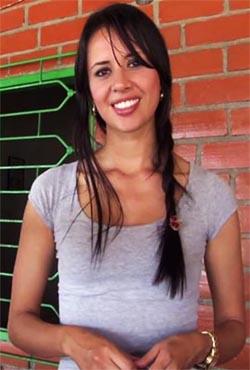 Adriana Ramos-Salvaje Sexo Y Un Facial Con La Seductora Colombiana