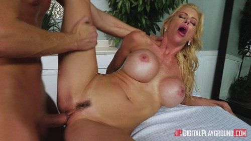 Alexis Fawx – Mother In Law's Massage