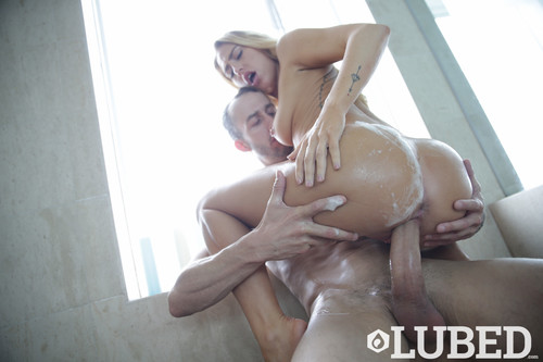 Facialed In Suds – Carter Cruise