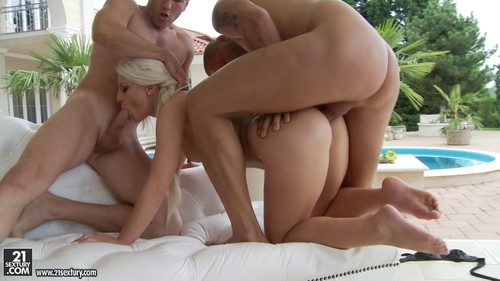 Anastasia Blonde