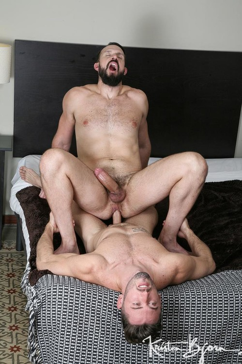 KristenBjorn - Extra Large - Marcos Oliveira, Andy Onassis