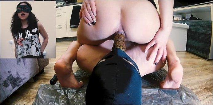 MistressAnna - Ass sniffing Farting & SHITTING