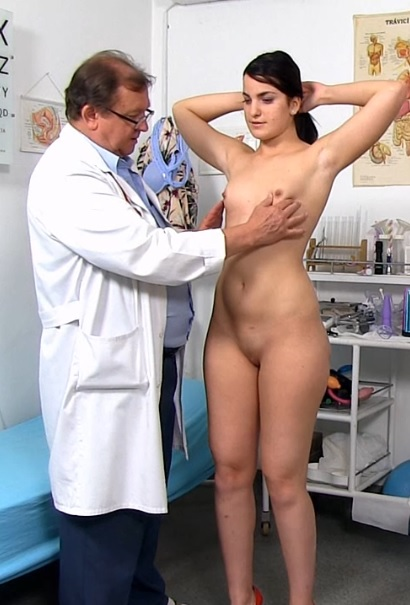 Kizzy Sixx in 22 years girls gyno exam video