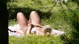 [Image: girl_caught_masturbating_in_the_sun_240p...25.10_.jpg]