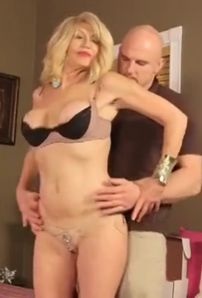 Kendall Rex (56) in Special cum delivery