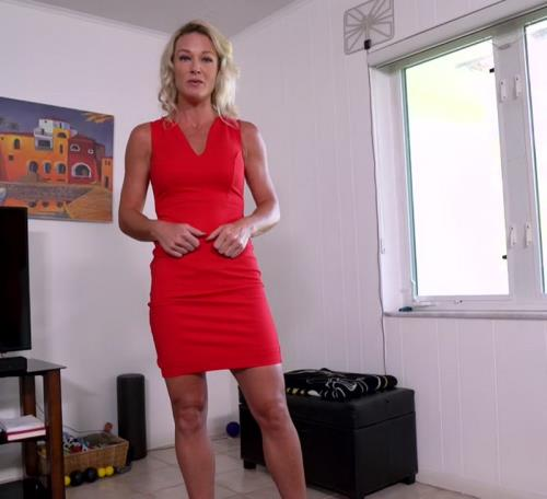 Sydney Hail - My Horny Mom p2 (FullHD)