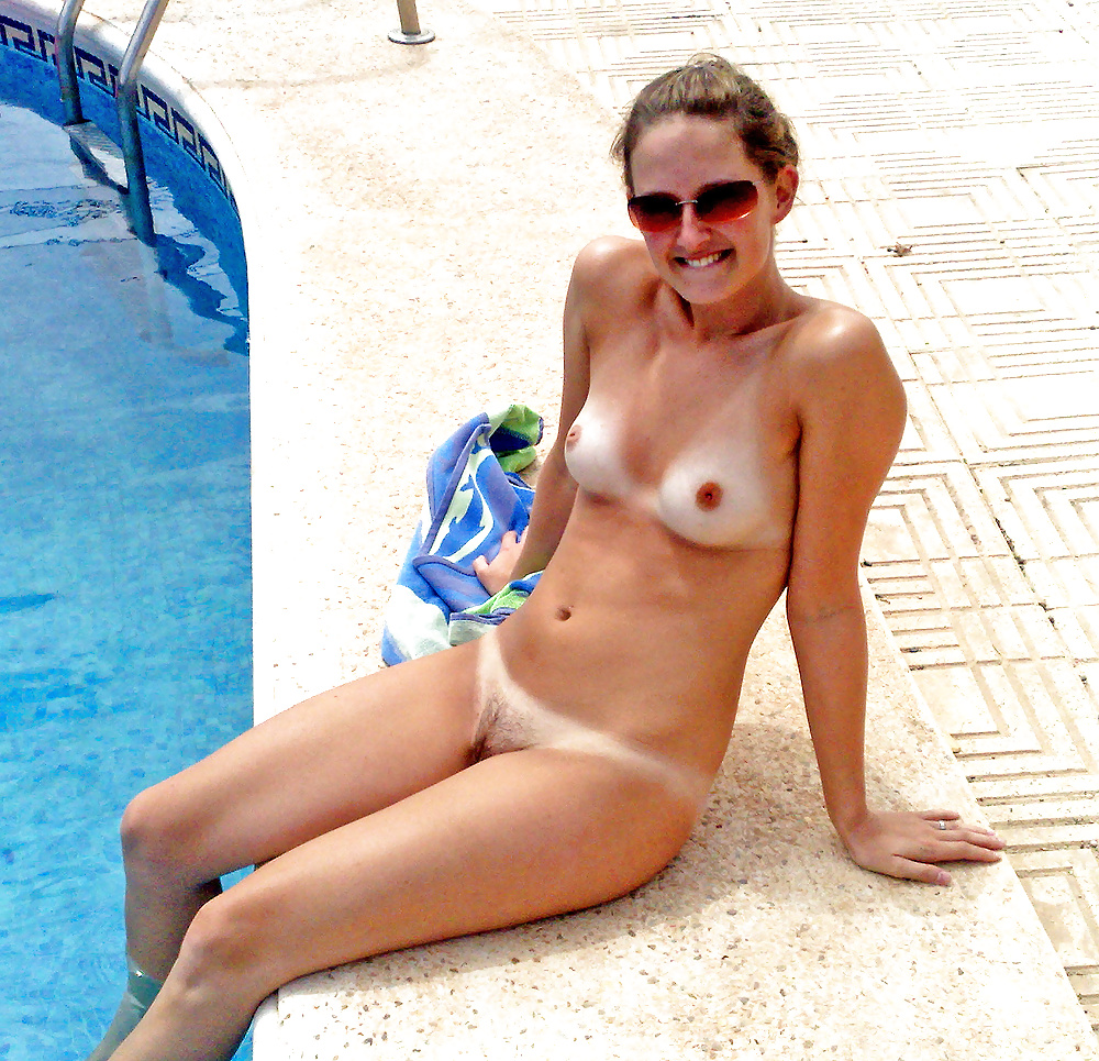 Women naked in the swimming pool
