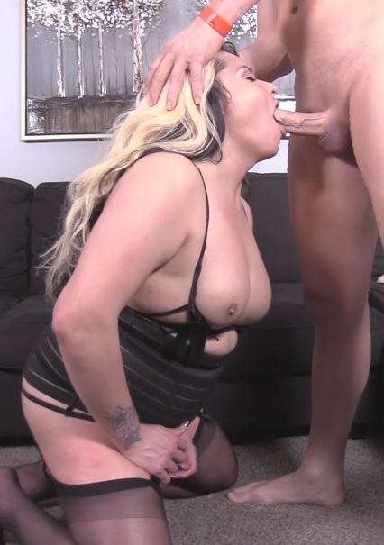 Katie Klark – Curvy Texan TS loves getting fucked hard