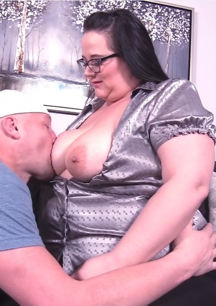 Sexy BBW accountant gets her payment in cock
