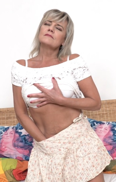 Cherry (52) in horny housewife Cherry doing her toyboy
