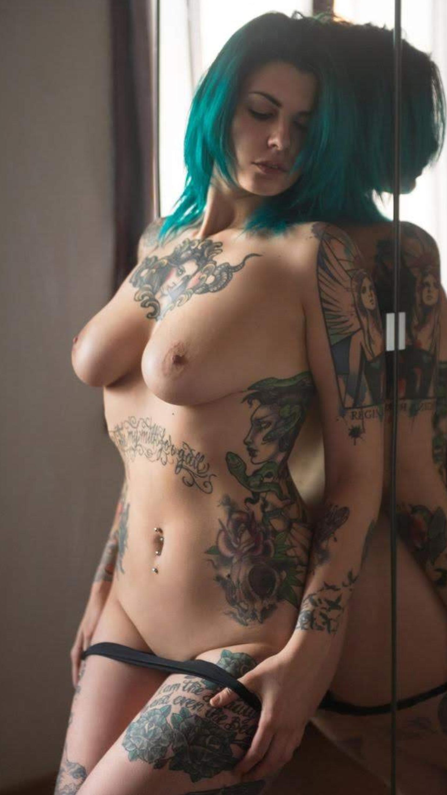 skinbyrd-suicide-girl-naked