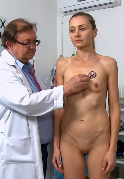 Luca Bella in 28 years girls gyno exam