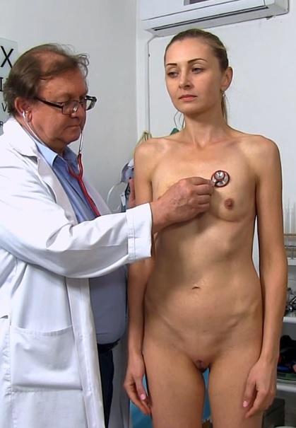 Luca Bella in 28 years girls gyno exam