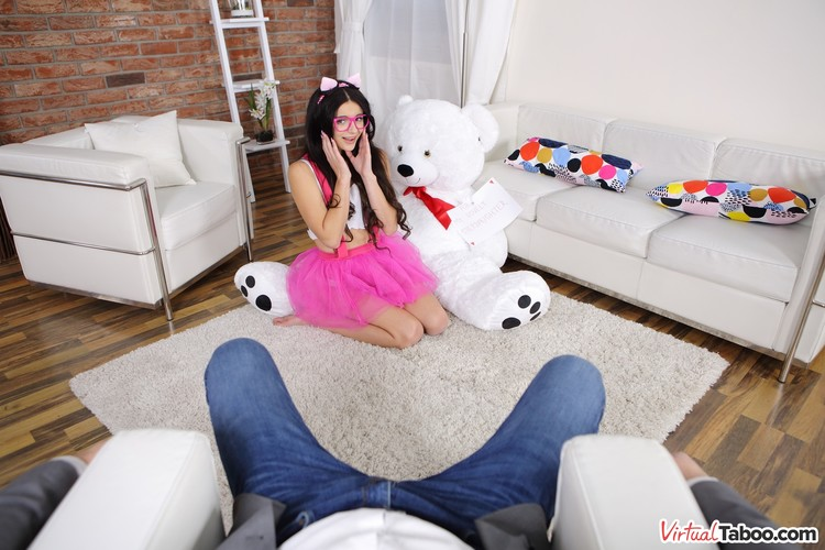 Virtualtaboo_presents_Kate_Rich_in_Daddys_Toy_Is_My_New_Joy___14.12.2018.mp4.00007.jpg