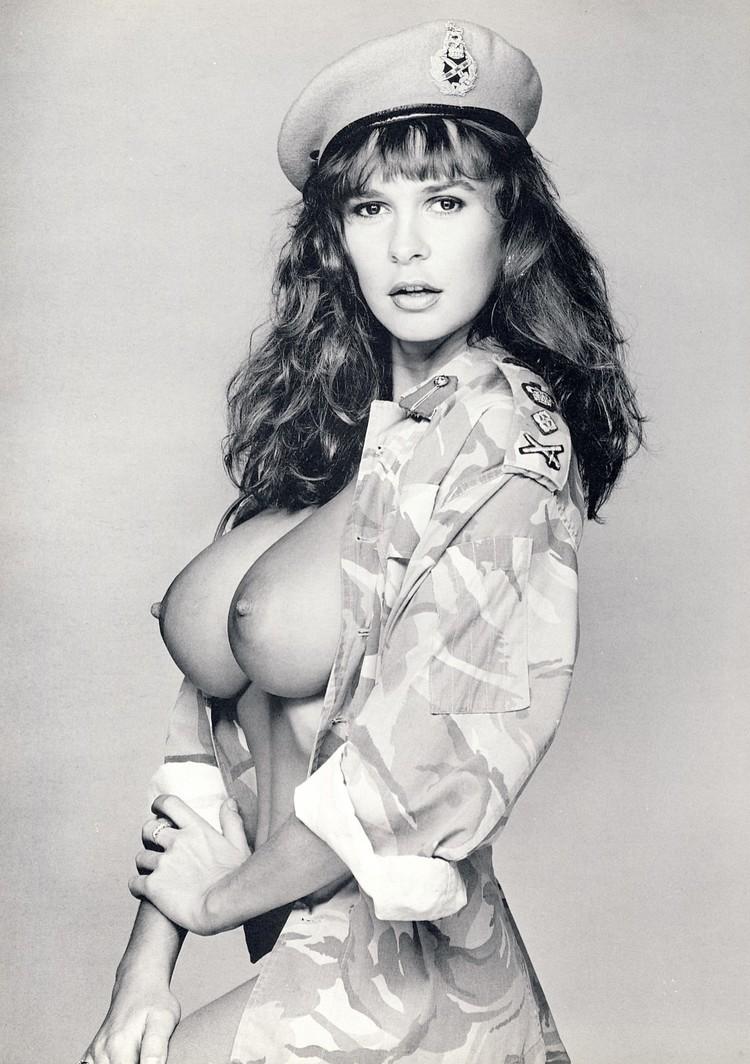 Donna duke nude