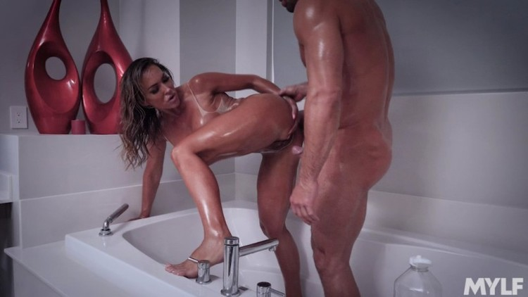 MomDrips - MYLF - Aubrey Black - Most Expensive Mylf Creampie - 16.07.2018 - 720p Free Download From pornparadise.org