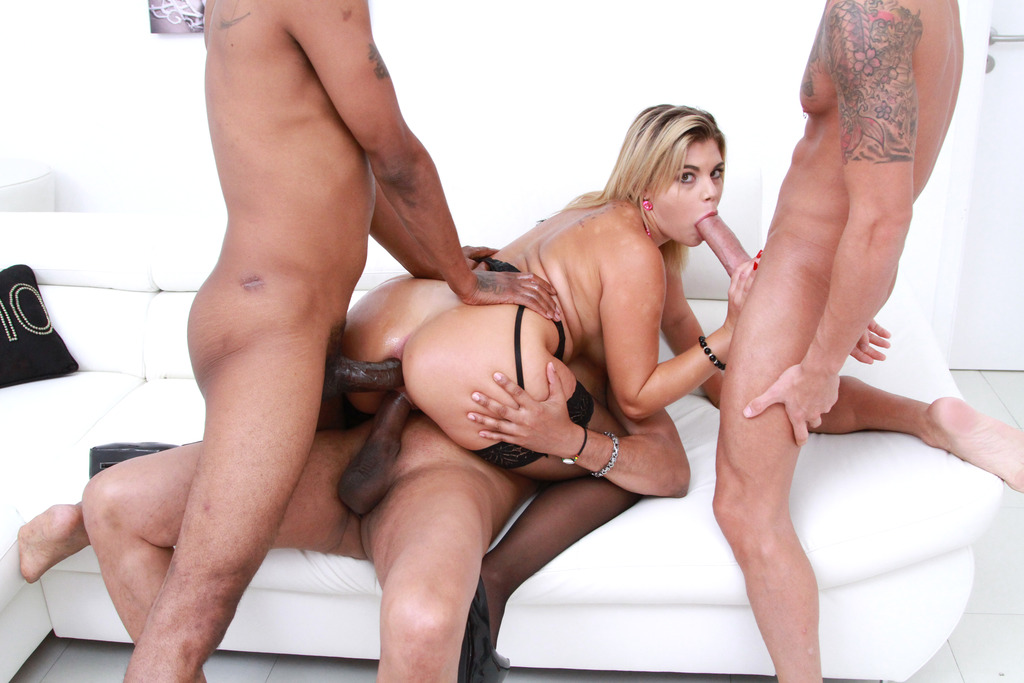 Download LegalPorno - Gonzo_com - Clementine Marceau 3on1 Balls deep DP & DPP with three monster cocks SZ2065